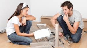 Couple assembles ikea furniture - which gender does it better